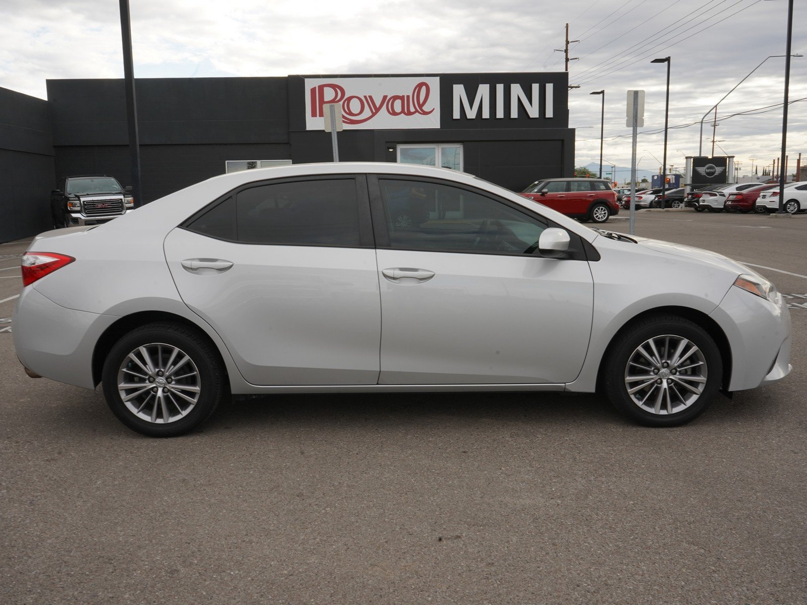 Pre-Owned 2014 Toyota Corolla