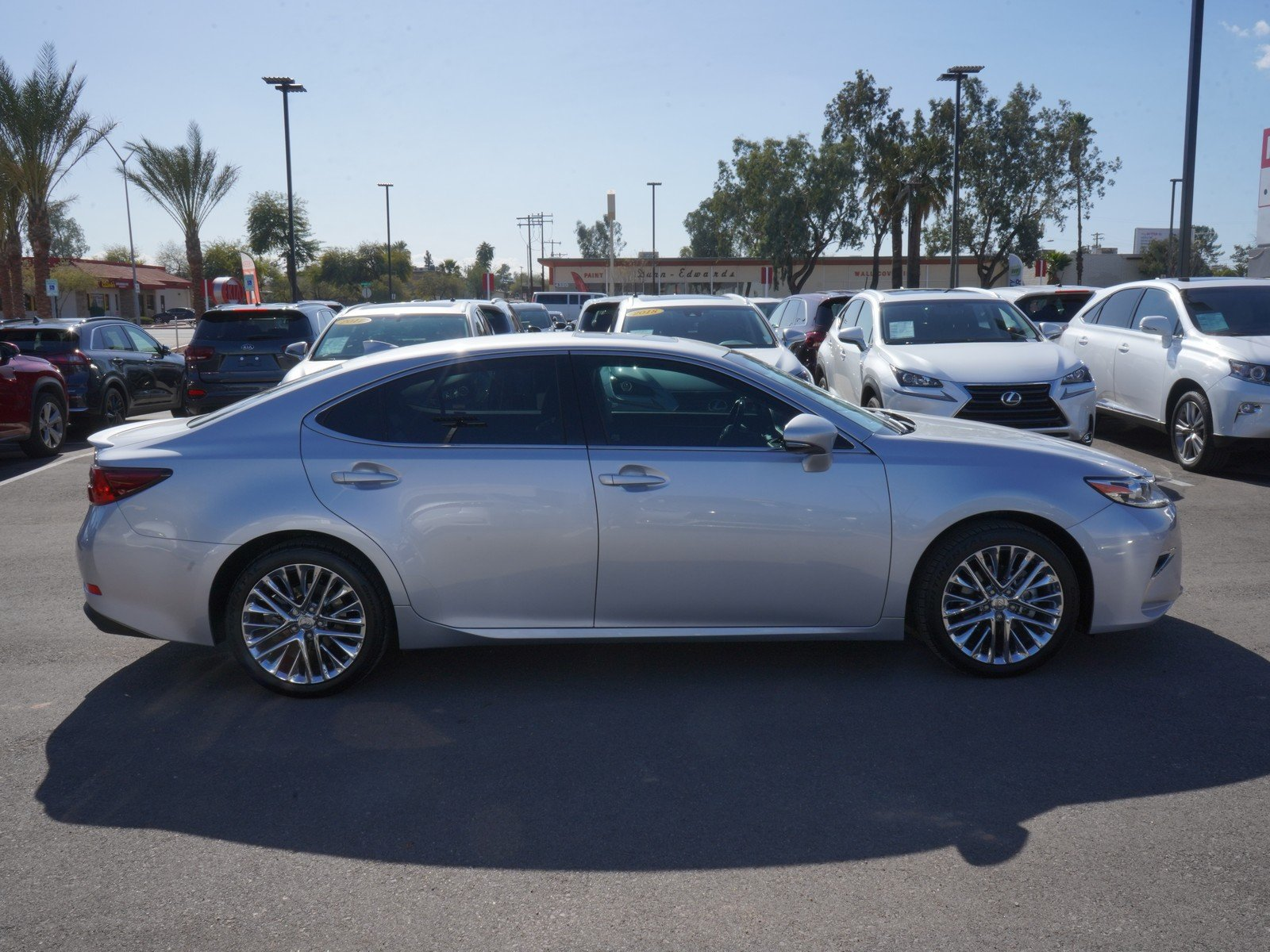 Pre-Owned 2016 Lexus ES 350 NAV/CHROME