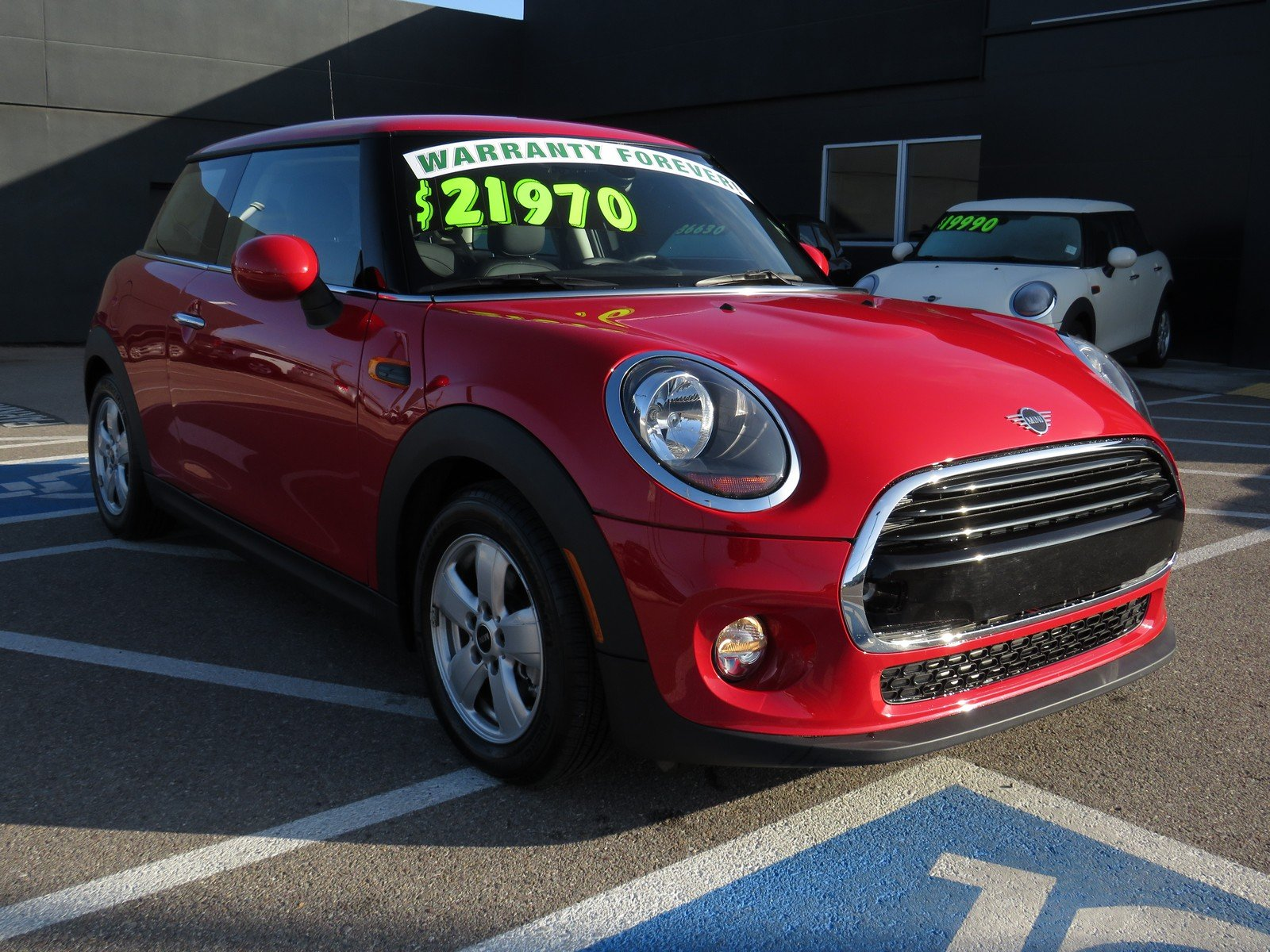 Pre-Owned 2019 MINI Hardtop 2 Door Cooper